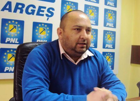 Sofianu vrea să candideze pentru funcţia de preşedinte în PNL Piteşti