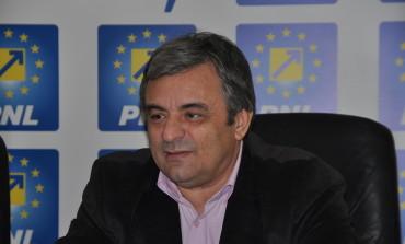 Adrian Miuţescu îşi va anunţa candidatura pentru şefia PNL Argeş