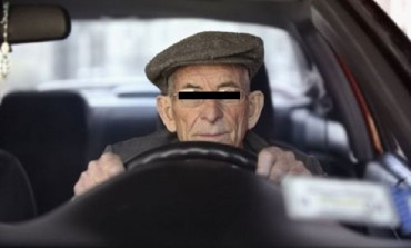 E JALE! Batrani fara permise de conducere, la volan pe strazile judetului