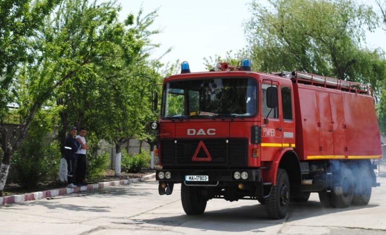 La Bǎbana, pompierii nu au probleme –Se monteazǎ hidranţi în toate zonele