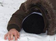 La 36 de ani - A MURIT de frig si l-au mancat animalele