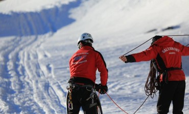 Turistii israelieni rataciti pe munte au fost gasiti - 6 ore va dura coborarea lor