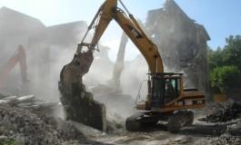 Construcțiile demolabile, cumpărate pentru teren: profitabile sau păguboase ?