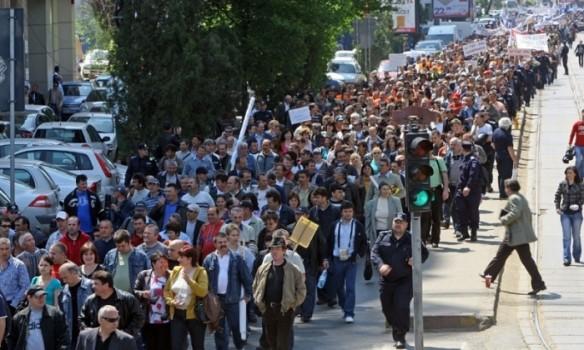 Mii de oameni vor protesta duminica in Pitesti