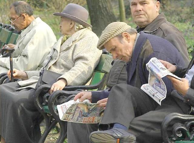 Pensionarii argeseni, fără bani de Pasti ! Guvernul PSD a decis sa dea pensiile dupa sarbatori ! Se platesc doar salariile bugetarilor