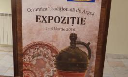 Expoziţie de ceramică tradiţională la Biblioteca Dinicu Golescu din Piteşti