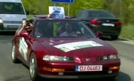 Protest inedit! Lant uman de 500 de persoane pentru constructia autostrazii