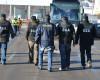 Agenţi de poliţie reţinuţi pentru conflict de interese