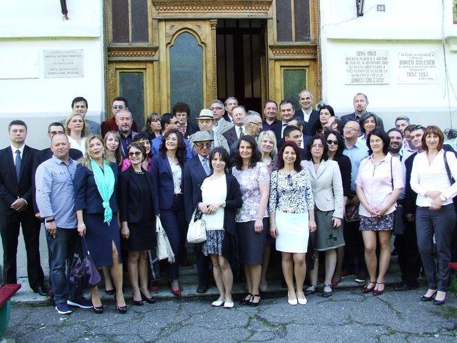 """Colegiul Naţional """"Dinicu Golescu"""" din Câmpulung rămâne şcoala de referinţă a municipiului"""