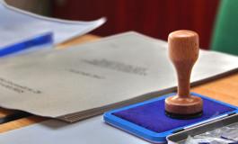 Operatorii sectiilor de votare din Pitesti isi primesc banii