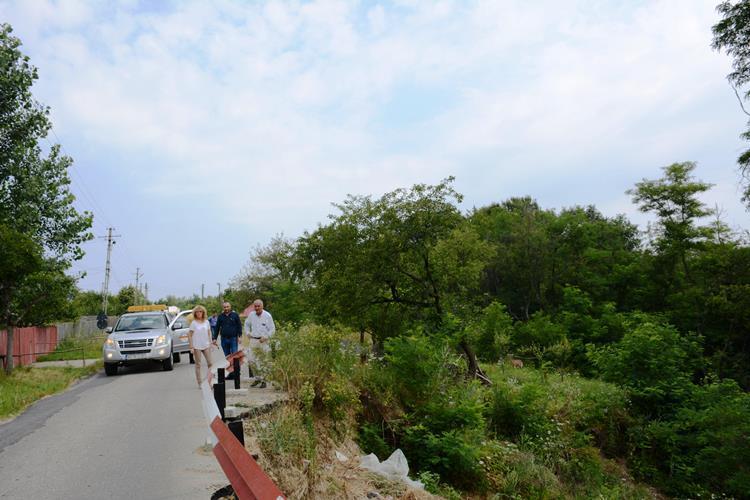 S-a facut receptia lucrarilor la drumurile comunale din Cuca
