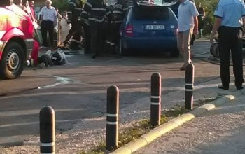 Groaznic accident la Mioveni - Doi morţi şi 9 răniţi, după ce un autoturism a intrat într-un microbuz
