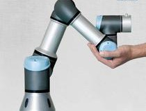 Revolutie in industrie - Robotii ajung sa lucreze alaturi de oameni, devin mai ieftini si mult mai simplu de programat