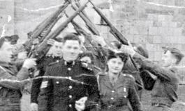 Povestea şi funeraliile unui bărbat singur: Războiul, ghergheful, Frank Sinatra şi Facebook-ul