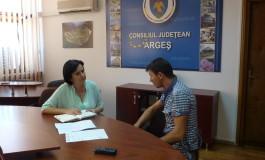 Cazul  disperat al unui tată din Argeş  a ajuns pe masa vicepreşedintelui CJ Argeş, Simona Brătulescu