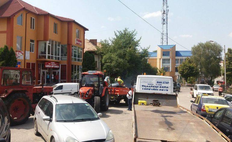 PENIBIL – In oraşul regal al anului 2017 locuitorii se milogesc de primar:«Puneţi mǎcar câteva roabe de asfalt»