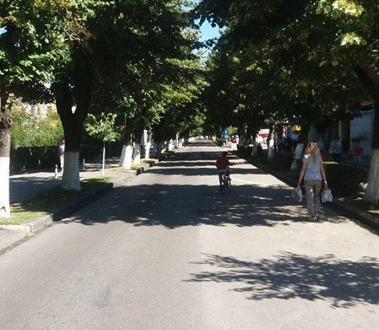 Trotuare cu granit și piste de biciclete pe Bulevardul Basarabilor