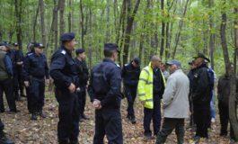 ACUM la Musatesti - Barbat cautat de jandarmi si politisti in padure