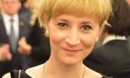 Fiica fostului primar Nicuţ a vorbit despre plagiatul lui Ponta - Elenina, avocat în Baroul Bucureşti, spune lucrurilor pe nume