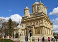 ARGEŞUL ÎŞI SĂRBĂTOREŞTE ISTORIA - Mănăstirea Curtea de Argeș, 500 ani de existenţă - IPS Calinic a dat startul evenimentelor la Academia Română