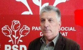 Primarul Panţurescu injurat ca la uşa cortului de locatarii unor strazi