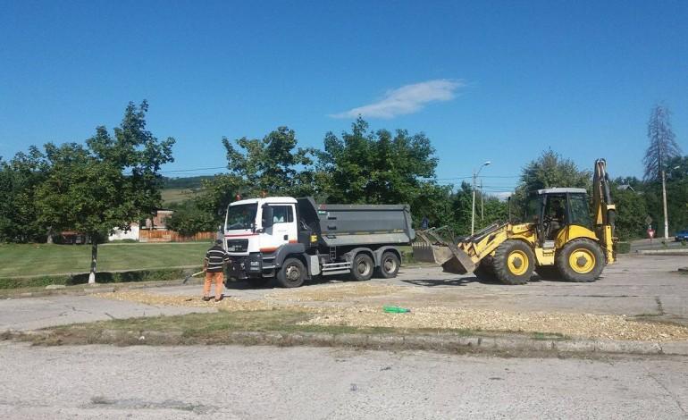 In zona Manastirii – Se asfalteaza parcarile si se refac marcajele