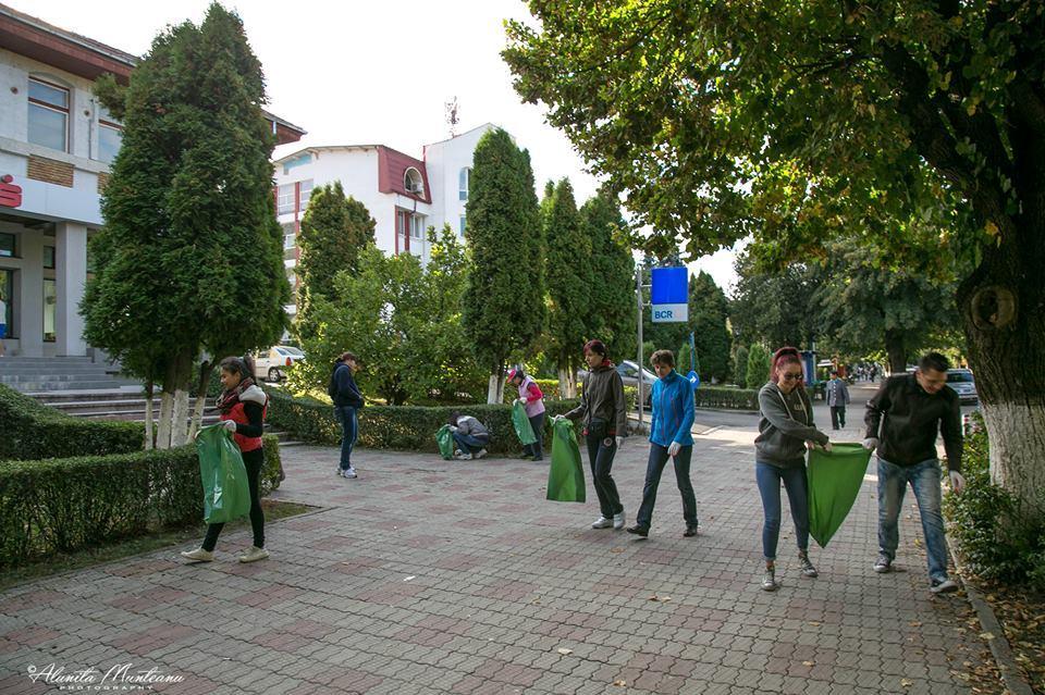 Consilier local în fruntea echipei de ecologizare