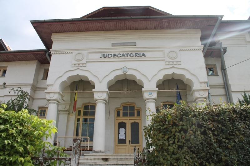 Protestul magistratilor continua la Curtea de Arges