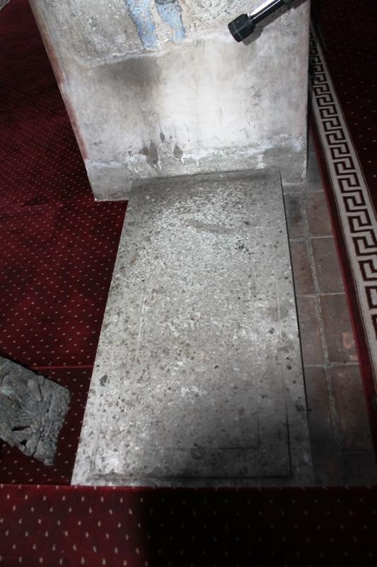 mormant-chinez-biserica-domneasca