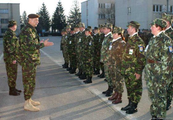 Armata recrutează rezervişti care să stea acasă... pe bani!