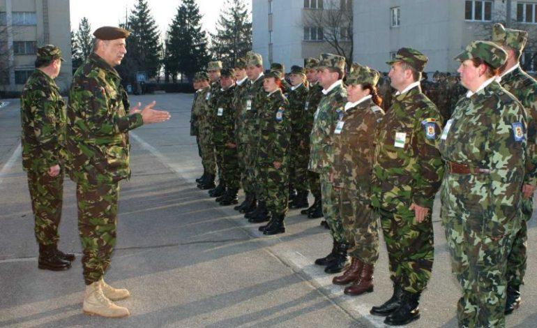 Armata recrutează rezervişti care să stea acasă… pe bani!