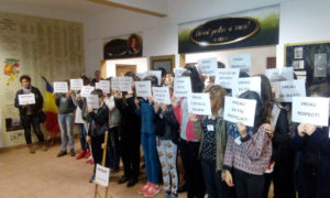 scoala-16-protest