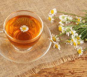 Ceai de musetel: remediu pentru insomnie şi afecţiuni ale pielii