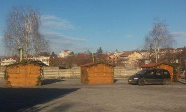 La Curtea de Argeş ,casutele folosite la Târgul de Crǎciun au devenit toalete publice