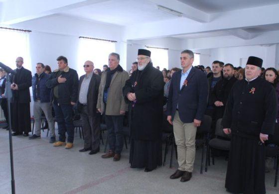 Generalul Tudosoiu si ÎPS Calinic au oferit diplome elevilor de la Auto și Seminar