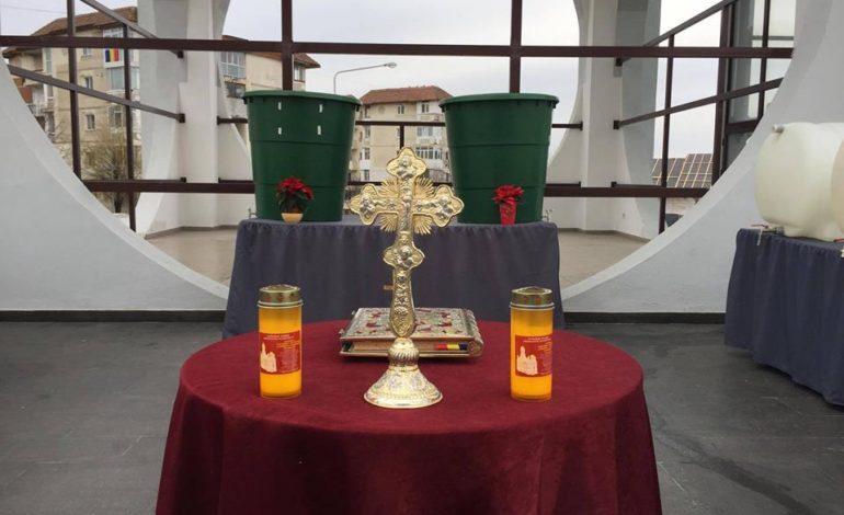 MIOVENI – Pregatiri de Boboteaza – S-a sfintit aghiasma