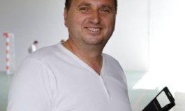 """Consilierul Ionel Păunescu, făcut de râs de tinerii din Curtea de Argeş: """"Amarul ăsta are niște figuri pe el...."""""""