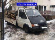 Mașini cu lemne confiscate de polițiști