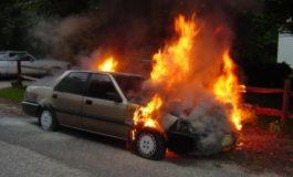 ACUM! Arde o masina in Mioveni