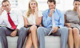 Cinci greşeli pe care dacă le faci în CV eşti refuzat din start