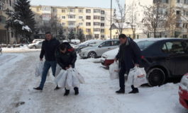Politistii argeseni au facut cadouri copiilor din centre de plasament