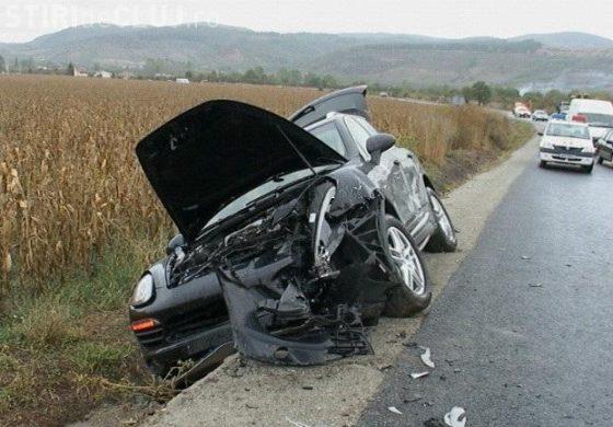 ACCIDENT - Porsche Cayenne facut zob de un sofer grabit