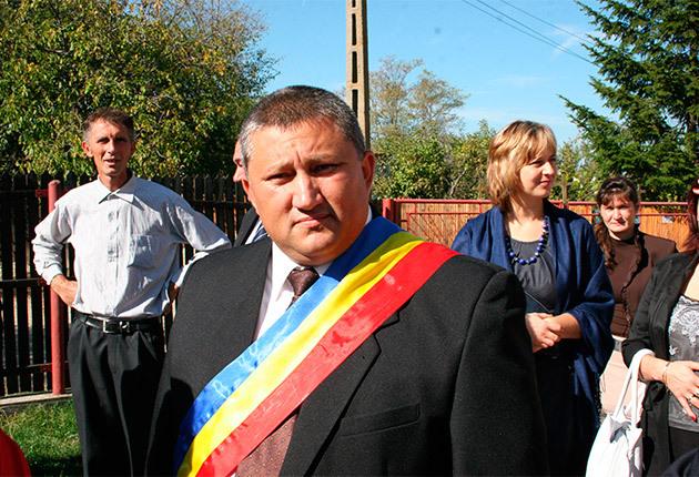 Procurorii DNA l-au trimis în judecată pe primarul comunei Oarja
