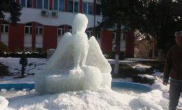 Un mare mincinos: Constantin Panțurescu -Sculptorul Traian Duta i-a dezgheţat cu drujba mintea primarului !