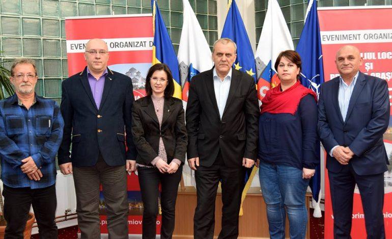 Ei sunt noii directori ai scolilor din Mioveni – Azi au semnat contractele