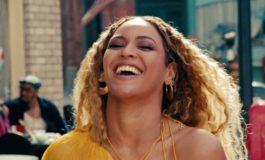 Beyonce a dat vestea cea mare fanilor ei. Cântăreaţa este însărcinată cu gemeni