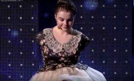 Gigi Becali i-a făcut un cadou tinerei fără mâini care cântă la pian