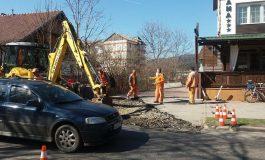 S-au dat banii, încep lucrările! Canalizare pe trei străzi din Curtea de Argeș