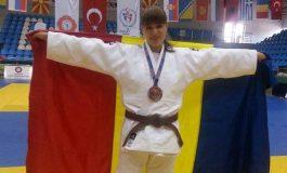 Lavinia Lioveanu - Loc pe podium la Campionatul National de Judo