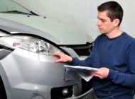 Schimbări la legea RCA. Asigurătorii vor fi obligaţi să-i informeze şi să-i asiste pe şoferii accidentaţi